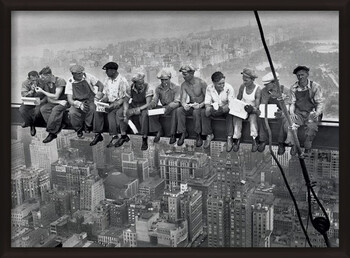 Плакат с рамка Lunch on a skyscraper